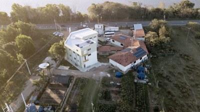 """Reforma e ampliação do bloco A com 6 laboratórios e a chamada """"sala limpa"""" do Polo de Inovação Campos dos Goytacazes (2018). Origem da Receita: LOA (R$ 980.435,74); Recurso Extraorçamentário SETEC/MEC (R$ 332.994,35)."""