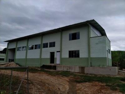 Término do prédio destinado à fábrica de ração no Campus Bom Jesus do Itabapoana.