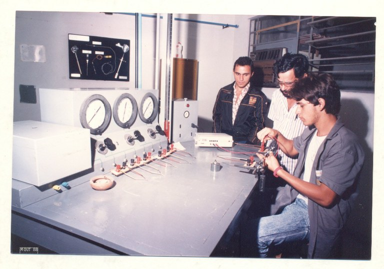 Oficina de Instrumentação na II Semana do Saber Fazer - 1987