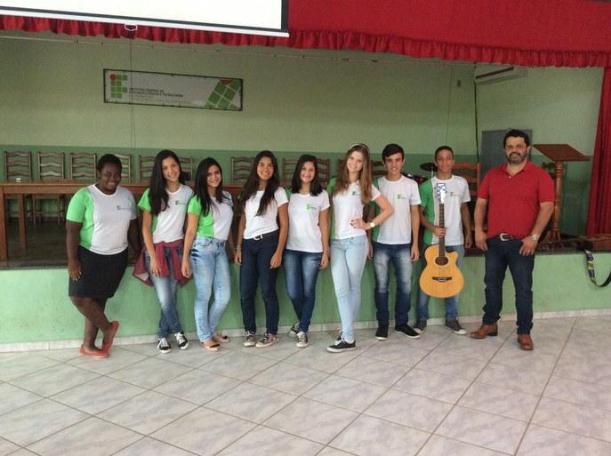 Seleção do Coro Jovem no campus Bom Jesus