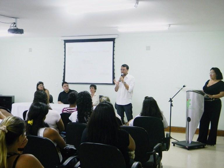 Foto 10 – Aula Inaugural no campus Cabo Frio (2012).