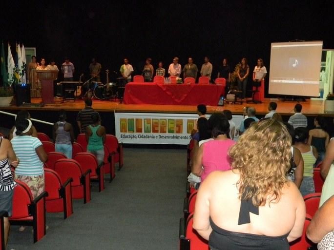 Foto 27 - Formatura da Alunas do PMM do campus Guarus (2012).