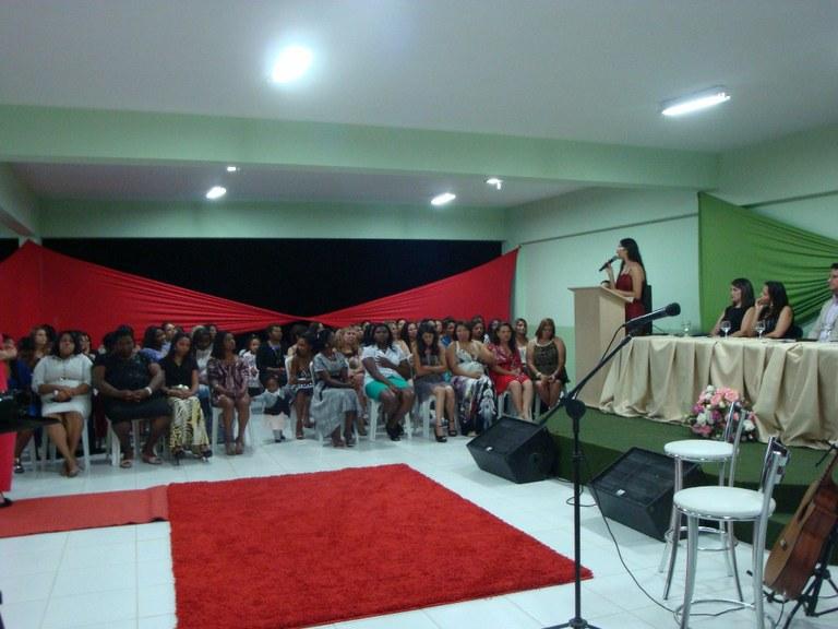 Foto 30 - Formatura das Alunas do PMM do campus Itaperuna (2012).