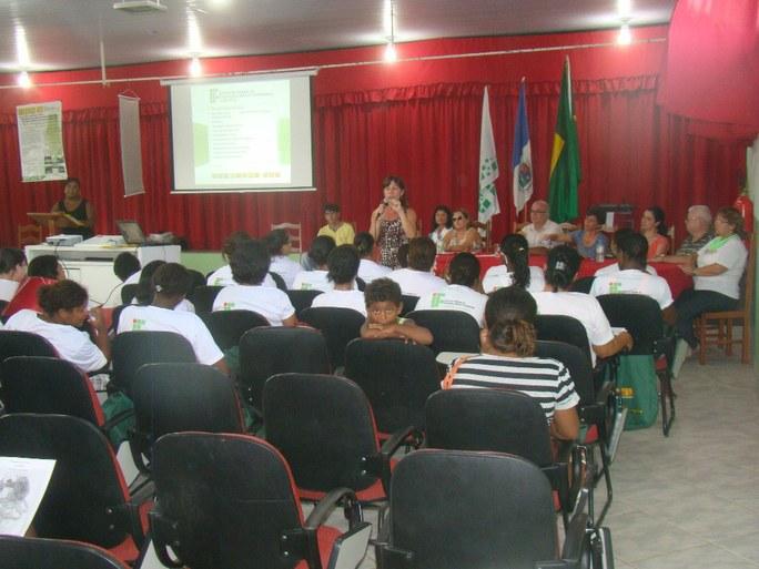 Foto 3 – Aula Inaugural do Programa Mulheres Mil no campus Bom Jesus.