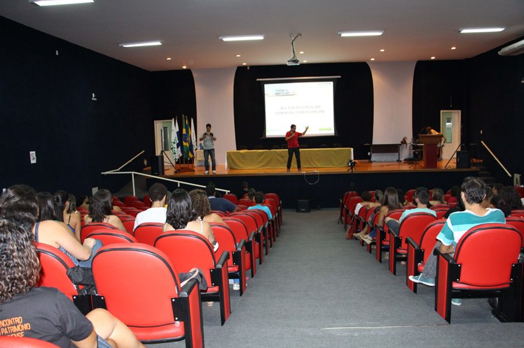 Aula Inaugural do Curso de Libras online no campus Campos Guarus