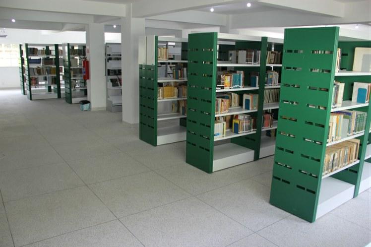 Nova Biblioteca, localizada no pavilhão de ensino