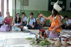 A indígena Opetahra Puri  faz parte do movimento que luta pelo reconhecimento da etnia Puri, considerada extinta no Brasil.