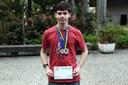 Ele já conquistou medalhas em diversas competições de conhecimento.