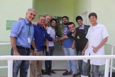 Representantes dos servidores, alunos e comunidade inauguraram o novo laboratório de panificação.