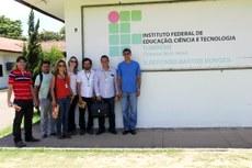 Professores do Ifes visitam estruturas produtivas do campus Bom Jesus, indicado como referência por coordenador do MEC.