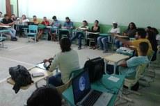 Aquecimento global, tema tratado no documentário, foi abordado na discussão.