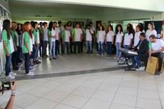 Grupo apresentou músicas em português e inglês.