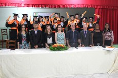 Doze alunos celebraram a conquista na noite de sexta-feira (19).