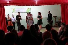 Atores de vários estados brasileiros se unem na composição da peça.