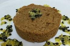 Bolo com 50% de substituição da farinha de trigo pela farinha de maracujá.