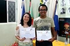 Clara Medeiros e Douglas Barbosa acreditam que ler é a melhor maneira de aprender a escrever bem.