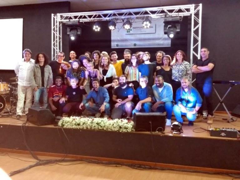 Alunos do curso durante do encerramento da apresentação
