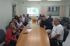 Servidores e terceirizados participam da reunião da QVT.