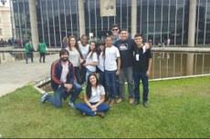Professor Marcelo e alguns alunos que participaram do evento.
