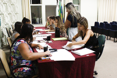A primeira etapa é a apresentação de documentos (Raphaella Cordeiro)