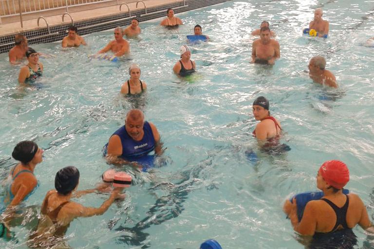 Aula de hidroginástica na piscina do ginásio do IFF Campos Centro.(Fotos: Divulgação)