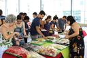 A comida, feita no campus, despertou apetites  (Foto: Rakenny Braga)