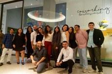 O coletivo reunido na frente do Coworking do Shopping Boulevard (Divulgação Instagram do grupo)