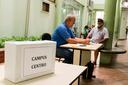 A seção eleitoral está instalada no térreo do Bloco A do campus.
