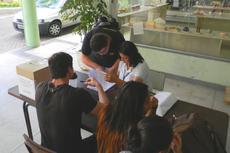 Estudantes participam da escolha de representantes discentes.
