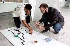 Hermes Neto e o professor David Correa da Silva idealizaram a arena (Foto: Rakenny Braga)