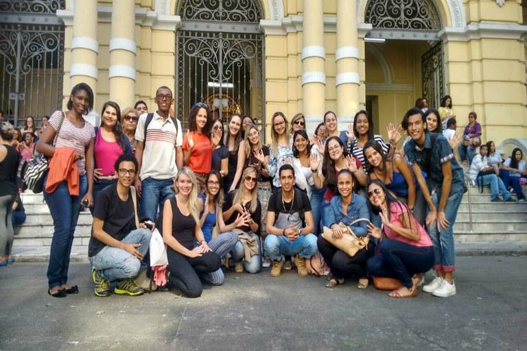 Estudantes do campus participam do Fórum Belingue do INES, 2016