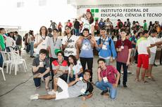 Estudantes comemoram seus feitos (Foto: Diomarcelo Pessanha/Núcleo de Imagens do IFF)