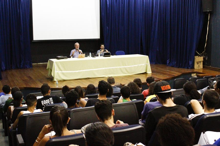 A palestra reuniu estudantes e professores do IFF Campos Centro e de outras instituições.Fotos: Raphaella Cordeiro