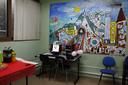 A sala ganhou uma estrutura para estudos e atividades administrativas (Foto: Letícia Cunha).