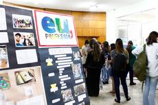 A exposição dos memoriais produzidos por alunos (Foto: Rakenny Braga)