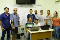 Parte do time da Sala: José Maria, Umbelino e  estudantes pesquisadores (Foto: Raphaella Cordeiro)