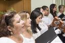 O Coro Cênico, formado por servidores do campus, apresentou três músicas (Crédito: Erisson Azevedo)