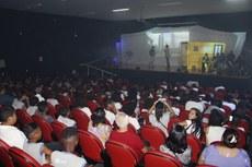 Apresentação do projeto contou com a participação de 200 estudantes da rede municipal de Campos