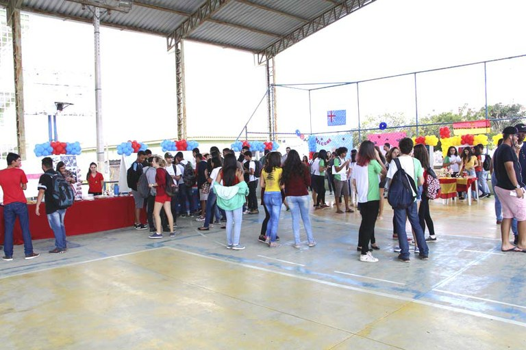 Campus Guarus realiza feira cultural sobre países e línguas estrangeiras