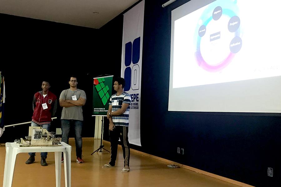 IFF Campus Guarus recebe evento da NASA
