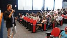 Fael durante palestra sobre direitos locais para minorias sexuais e pessoas trans de Campos dos Goytacazes