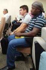 Os professores Jonathan e Alcemir em um dos encontros de revisão das normas