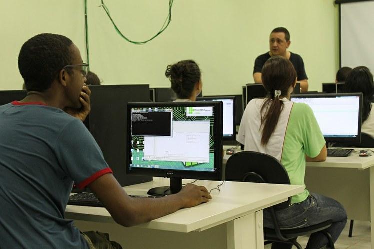 Laboratório de Informática no IFFluminense Itaperuna