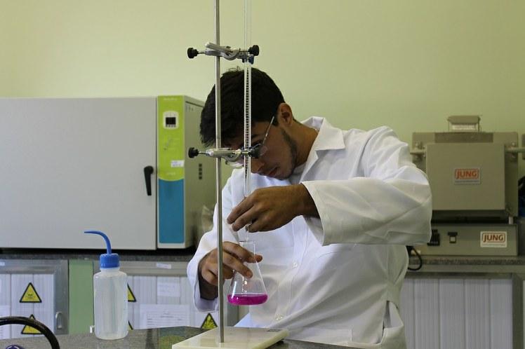 Laboratório de Química no IFFluminense Itaperuna