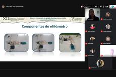 A estudante Leticia Reis apresentou seu projeto de um etilômetro de baixo custo