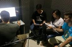 Alunos fazem gravação de podcast no estúdio do IFF Itaperuna