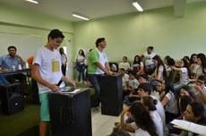 Candidatos a presidente do Grêmio Estudantil do IFFluminense Itaperuna debatem antes da eleição