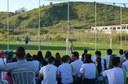 Alunos na torcida durante jogo de futebol