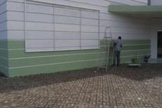 A fachada do campus está recebendo nova pintura