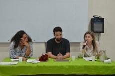 A mesa-redonda, com Maria Carolina Barbalho (à esquerda), Carlos Abraão Moura Valpassos e Sana Gimenes Domingues